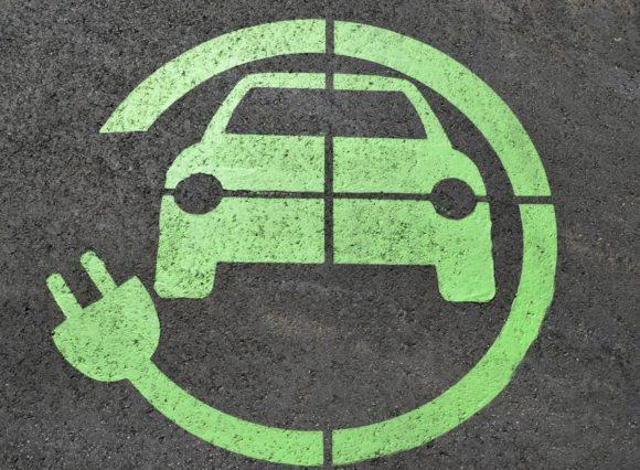 Deloitte predice una forte crescita del mercato dei veicoli elettrici