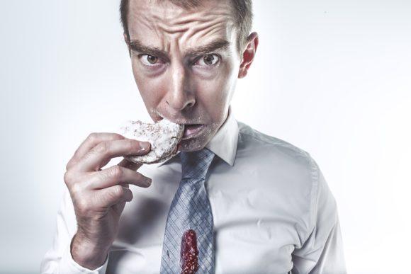 In quanto tempo digeriamo i cibi che mangiamo, ecco alcuni consigli