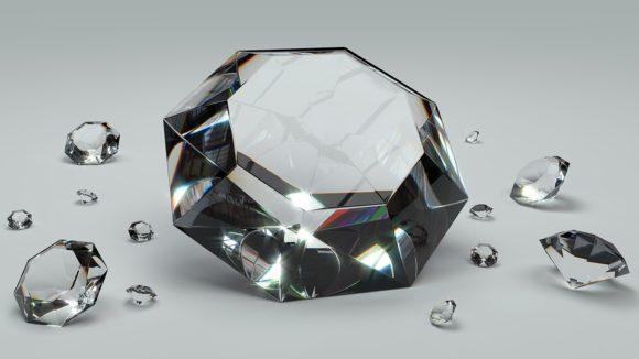 Truffa dei Diamanti: vittime anche piccoli risparmiatori, ecco le storie