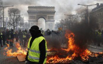 Parigi in fiamme