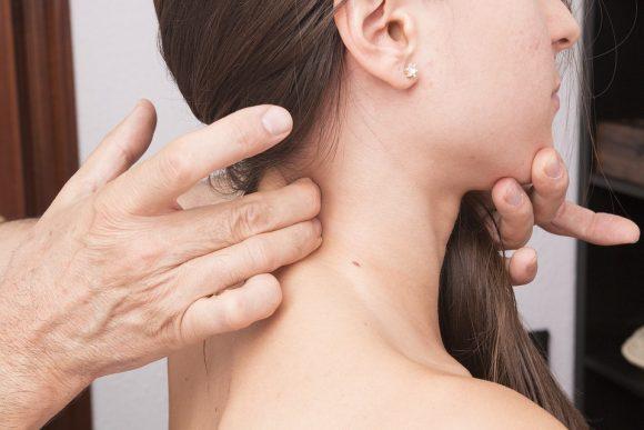 Cervicale: i rimedi naturali, ecco quali sono i migliori
