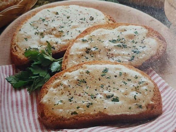 Crostoni piccanti: un secondo gustoso in meno di 35 minuti