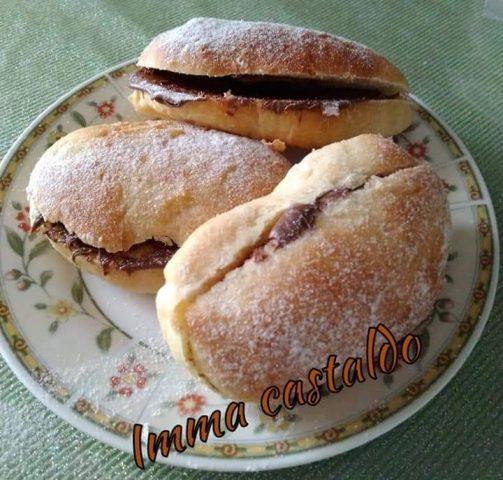 Ricetta panini al latte: ottimi come merenda e per colazione farciti a piacere