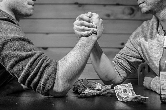 Reddito di cittadinanza, rinnovo Isee e possibilità di sospensione: ecco chi è a rischio