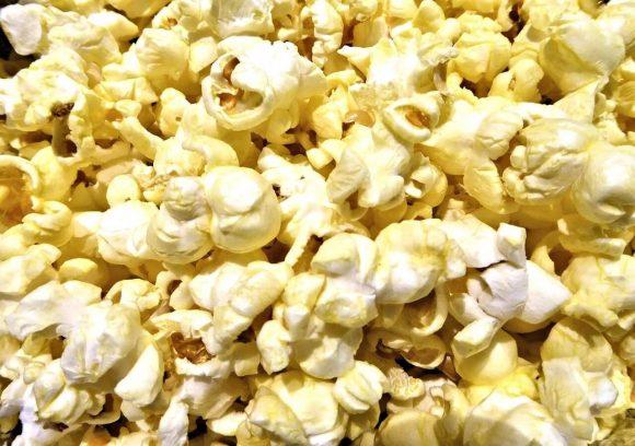 Pop corn contaminati da sostanza cancerogena, ritirati dal commercio: ecco marca e lotti