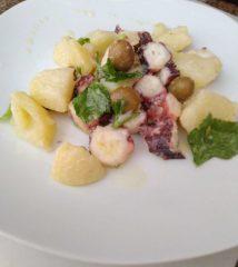 Insalata di patate e polipo