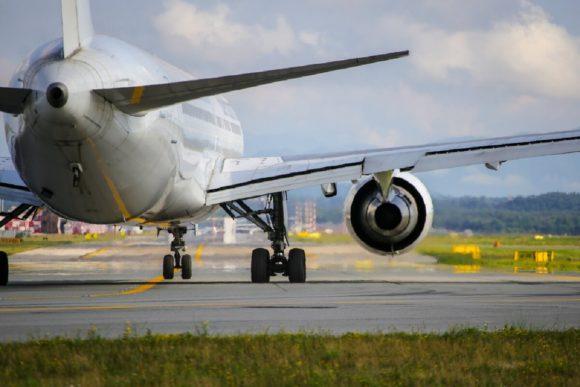 Check-in, grandi novità: il lasciapassare sarà il volto dei passeggeri e tornano i liquidi nel bagaglio a mano