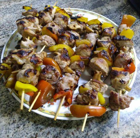 Spiedini di carne e verdure grigliate, un secondo facile e gustoso
