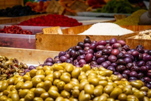 Fate attenzione alle olive, contengono molto sale, il nostro nemico numero 1