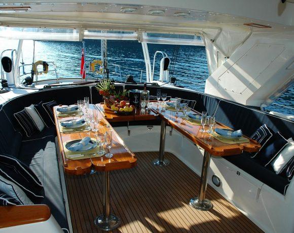 passare una notte su uno yacht