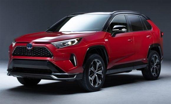 La nuova Toyota RAV4 ibrida plug-in è pronta per il lancio