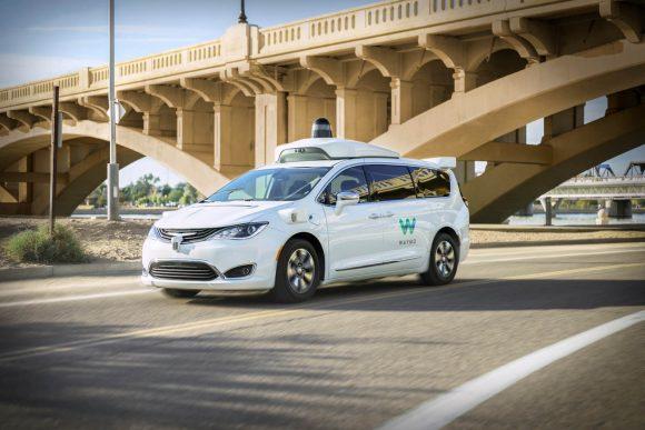 """Waymo annuncia: """"Le auto completamente autonome sono in arrivo"""""""