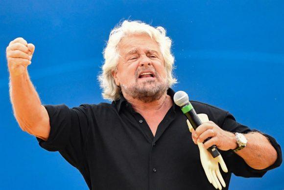 Escludere gli anziani dal voto: l'ultima proposta di Beppe Grillo