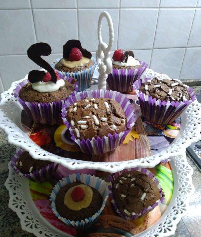 Muffin al cioccolato, ottimi a fine pasto, merenda e colazione