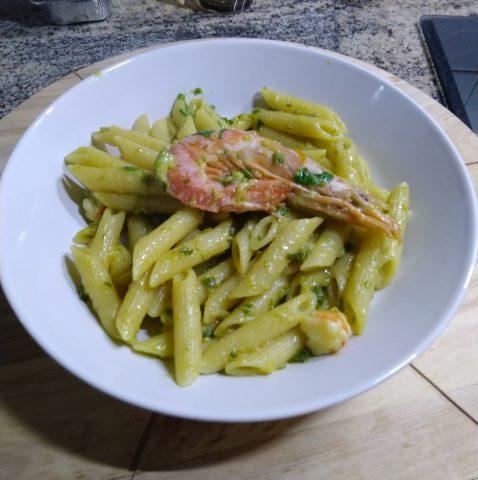 Penne con zucchine e gamberi, ricetta per 5 persone