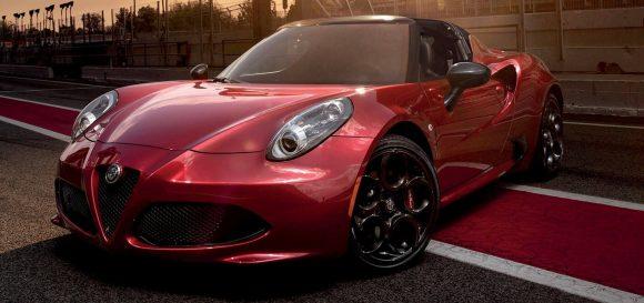 Alfa Romeo 4C addio: la sportiva super leggera sta per salutare