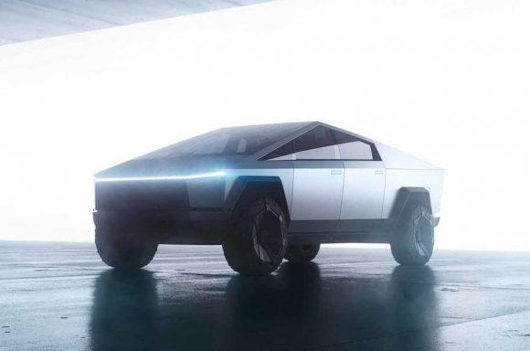 Tesla ha fatto debuttare il suo primo pickup elettrico