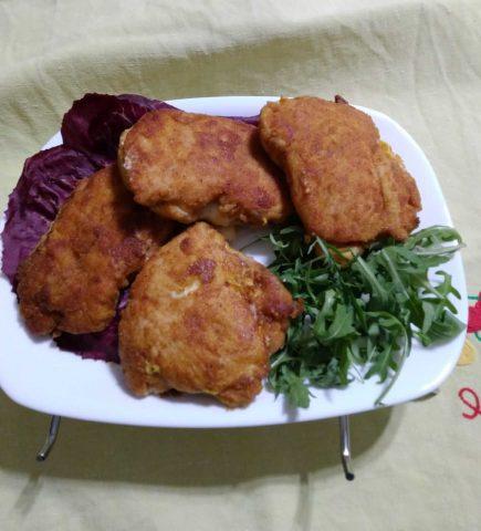 Cordon-bleu: fettine di pollo farcite e impanate, ricetta di origine svizzera