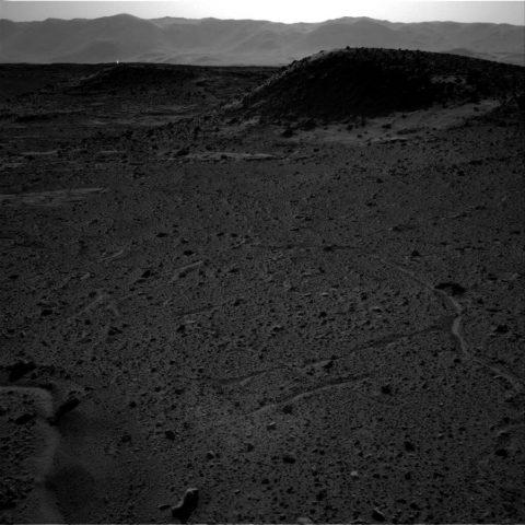 La foto della NASA cattura una strana luce aliena su Marte