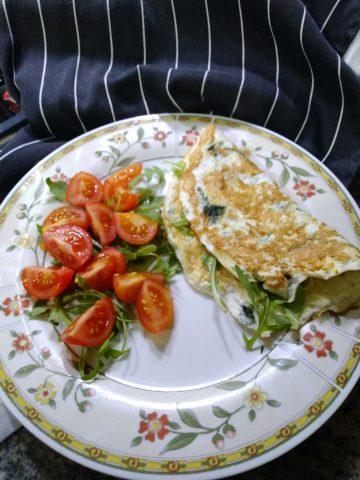 Omelette di albumi leggera, proteica ricetta dietetica