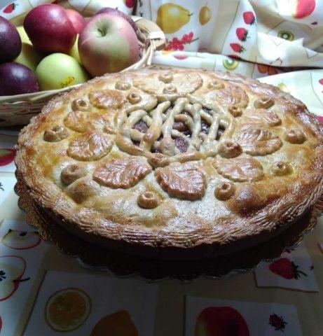 Crostata di mele con lime e succo di melograno ricetta rivisitata