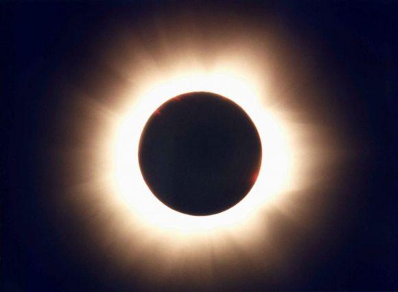 Eclissi solare 26 dicembre con anello di fuoco: ecco dove sarà visibile