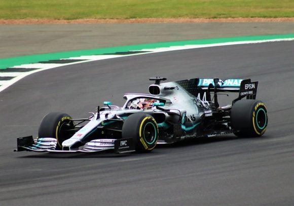 F1, Lewis Hamilton sogna un futuro in Ferrari