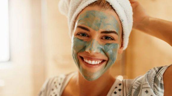 Tutti i benefici dell'argilla: come creare la maschera capelli e viso fai da te