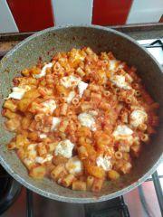 pasta con patate sugo pronta