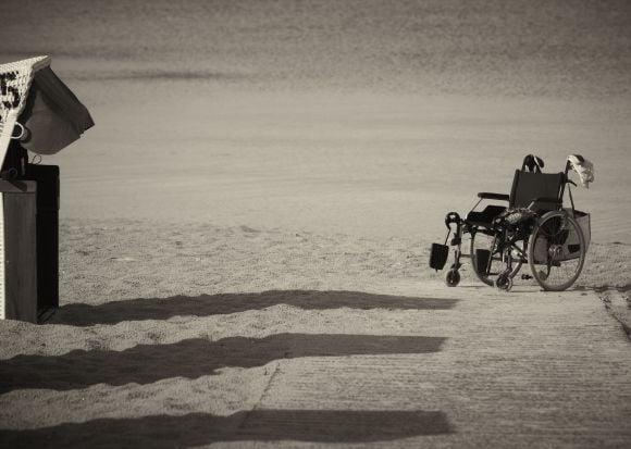 Pensione di vecchiaia a 61 anni per invalidi: attenzione alla finestra di attesa