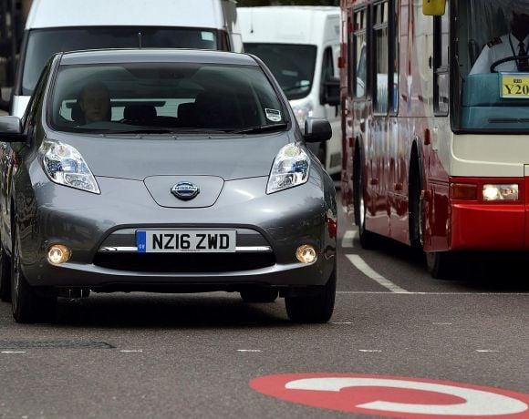 Nissan e Uber