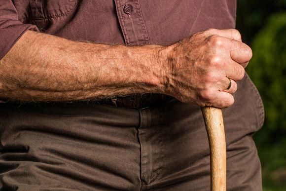 Pensione a 63 anni disoccupato: quali alternative con 25 anni di contributi?
