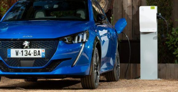 Peugeot ridurrà il limite di emissioni a marzo con le vendite di ibridi ed elettrici
