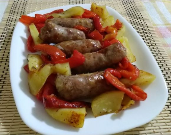 salsiccia patate e peperoni