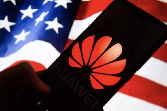 Huawei e USA è battaglia; accuse di cospirazione