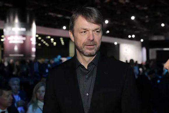 Il CEO di FCA Michael Manley ha guadagnato 13,28 milioni nel 2019