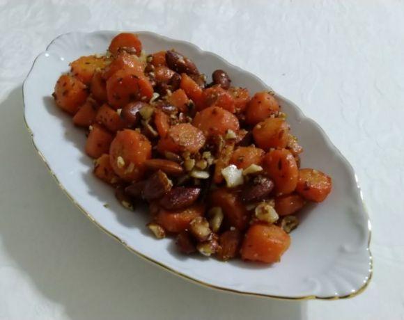 carote con mandorle speziate