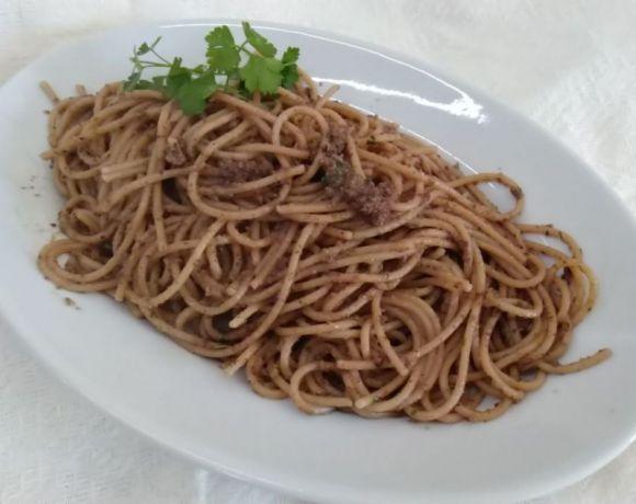 spaghetti integrali con pesto d'olive