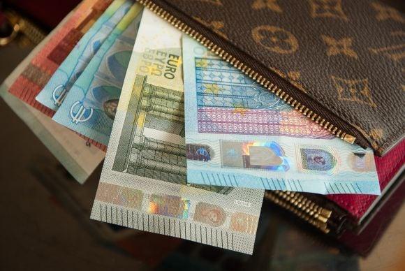 Indennità Covid-19 da 400 a 600 euro per i lavoratori domestici, da oggi si può inviare la domanda, le novità Inps