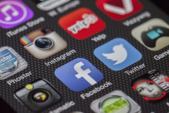 Social media marketing tools: 5 tools imperdibili