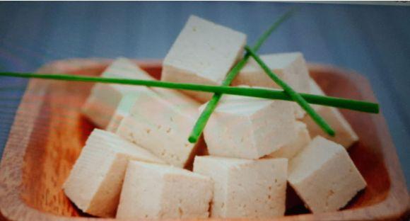 Tofu: come utilizzarlo in cucina e quali sono i suoi benefici