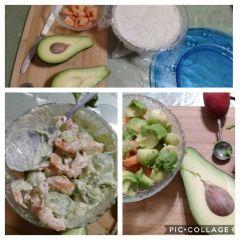 preparazione gamberi e avocado