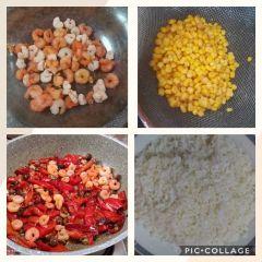 preparazione riso peperoni e gamberetti