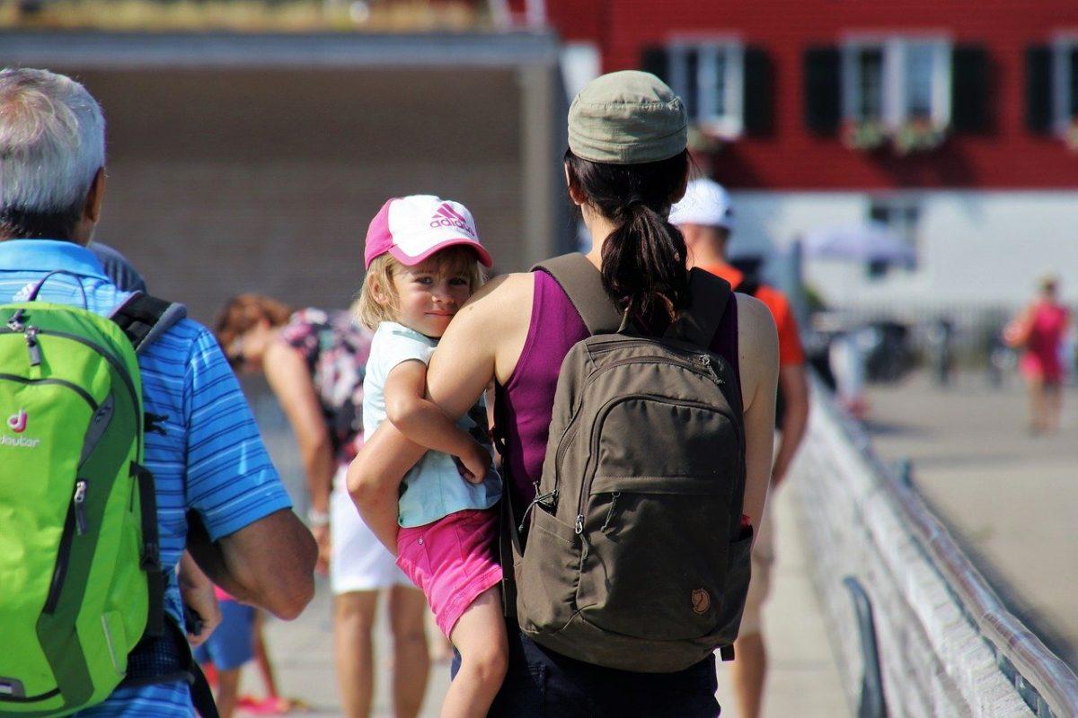 Bonus baby sitter, le novità in arrivo con il DL 30/2021: voucher fino a 100 euro la settimana per alcuni lavoratori